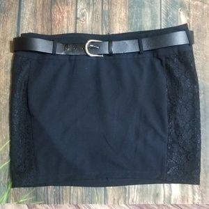🍒🍒Torrid Black  Ponte Belted lace Mini Skirt 🍒